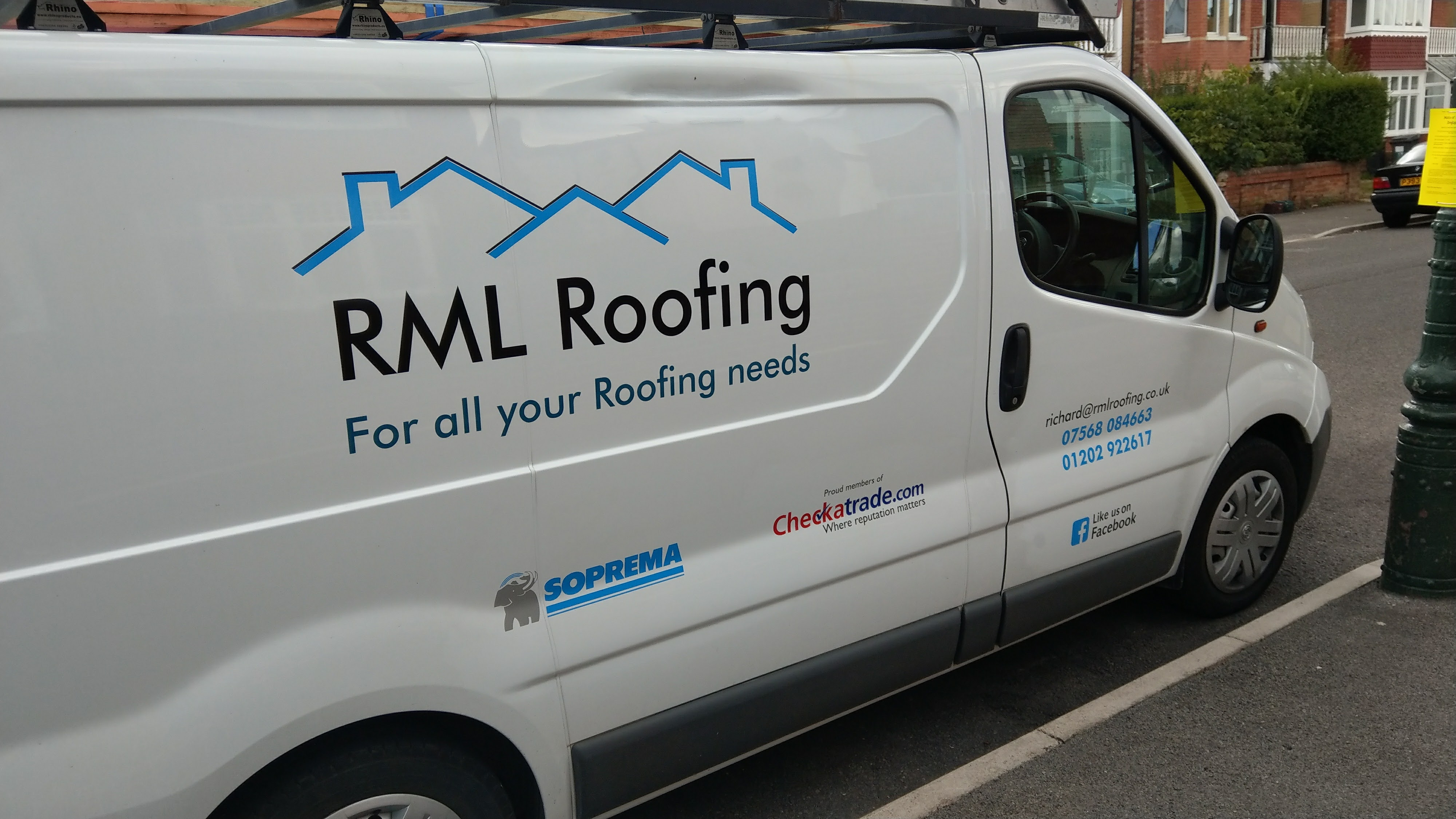 RML Roofing signage