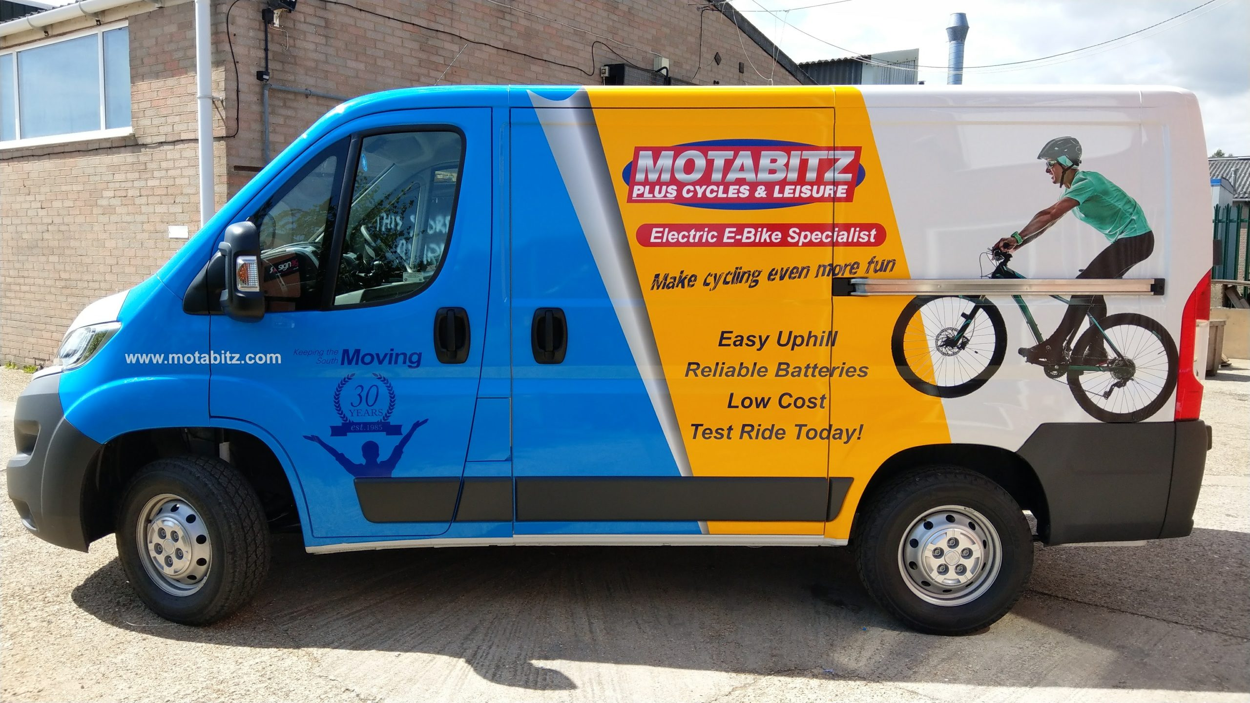 Motabitz Vehicle Graphics, signage